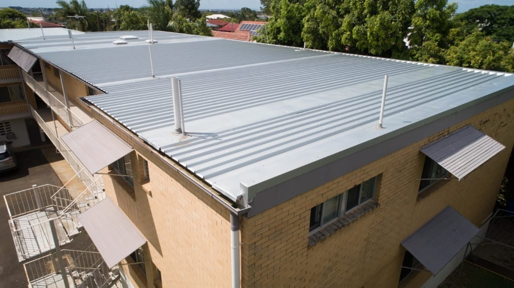 quiklok 700 zinc on a roof